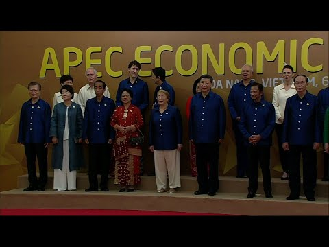 APEC Leaders Pose For Photo Ahead of Dinner