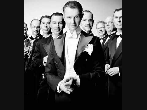 Max Raabe - Mambo No.5 (A Little Bit Of...) (ft. Palast Orchester)