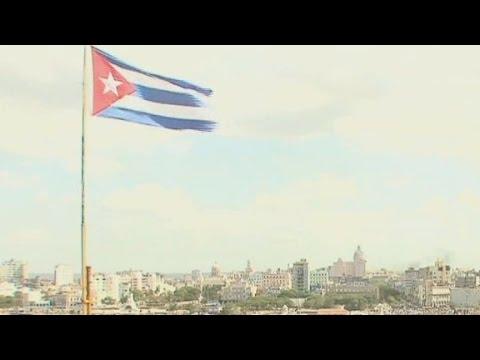 Cuba commits hundreds to fight Ebola
