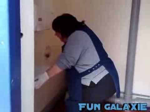Toilet woman from the campsite – Toilettenfrau vom Campingplatz