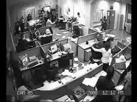 Pleito en las Oficinas de LaRevo.org