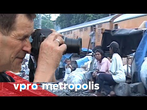 Tourists in the slums of Jakarta