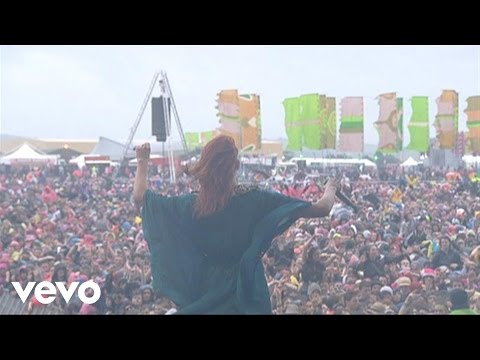 Florence + The Machine - Rabbit Heart (Raise It Up) (Live At Oxegen Festival, 2010)