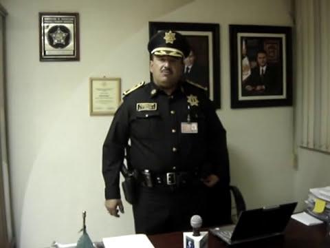 Improvisada entrevista al director de la policía de Coacalco