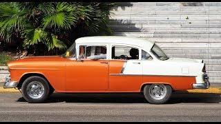 1000 oldtimers in one hour  in Havana (Cuba)