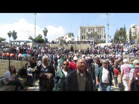Passing through Damascus Gate, Jerusalem עוברים דרך שער שכם, ירושלים