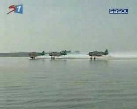 T6 Waterskiing