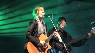 Suzanne Vega - Small Blue Thing - live in Poland
