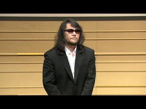 Giappone, i successi di un musicista star? Scritti da un ghost writer