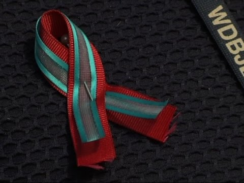 WDBJ Family Wears Ribbons for Slain Colleagues