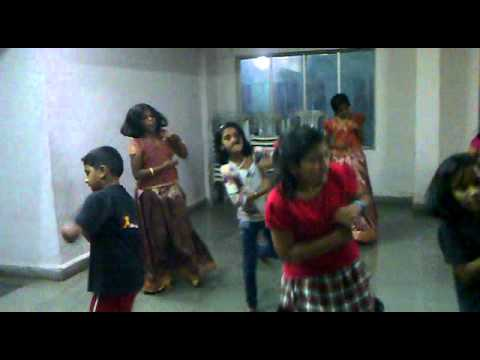 Tie Tie fish Reasel by Zari Dance Academy students