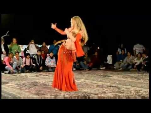 Belly Dancers in Dubai Belly Dancer in Night Desert