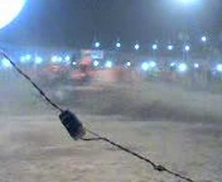 Jigra Jatt Da..tractor Stunt----satnam Brar video