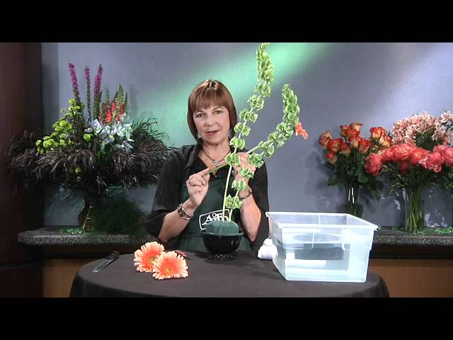 Floral Foam Part 2 - GWC Floral Design with Gail Call AIFD