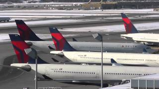 Delta Airlines Airbus A330-223 Gate G6 Arrival at Minneapolis/St. Paul Int