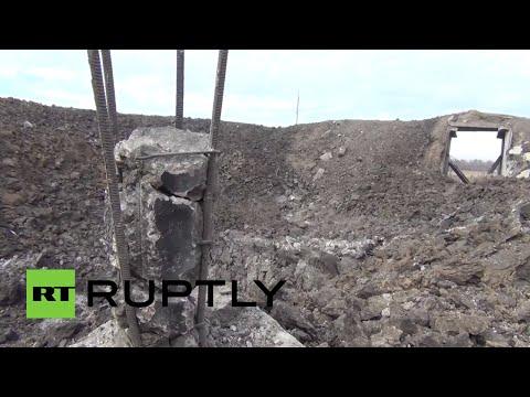 El enorme cráter que dejó un misil balístico en una planta química en Donetsk