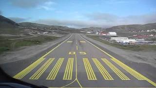 Wideroe Dash 8 cockpit view landing at Hammerfest Norway