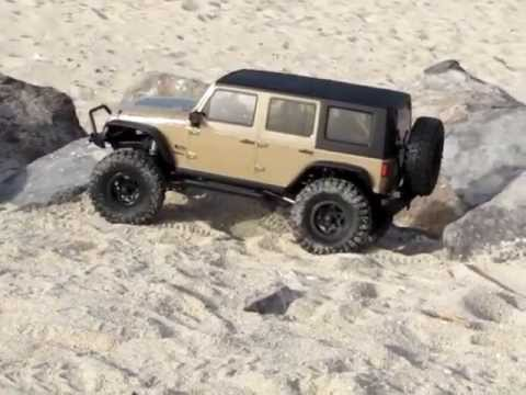 Axial Jeep Rubicon Kit First Run With Body Youtube