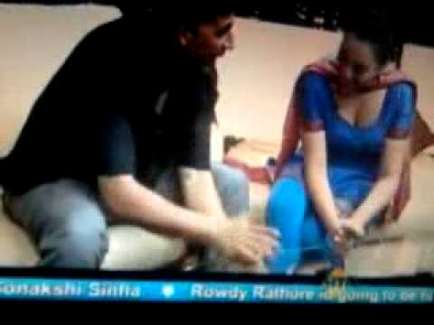 Sonakshi Sinha Hot Cleverage video