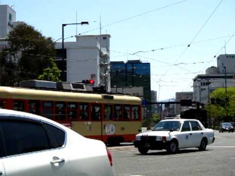 坊ちゃん列車 道後温泉方面行き松山市役所前通過