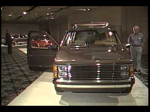 lee iacocca at crysler In 1979, a dollar at chrysler was worth, well, a dollar but on jan 7, 1980, that buck turned into $35 billion when chrysler chairman john riccardo john riccardo brought in lee iacocca lee iacocca as president and chief operating officer in late 1978, iacocca, a 32-year ford company man, was faced with the impossible task of rescuing an.