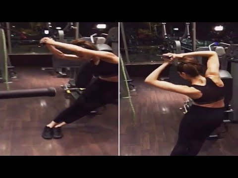 Deepika Padukone's HOT workout in gym