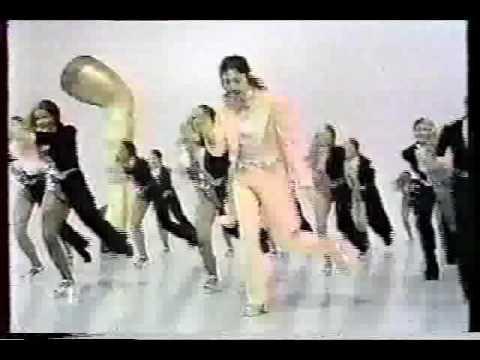Paul McCartney - Gotta Sing Gotta Dance