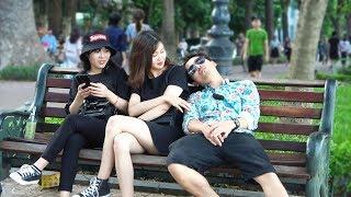 Ngủ gục đầu vào vai Gái Xinh   Falling Asleep on People