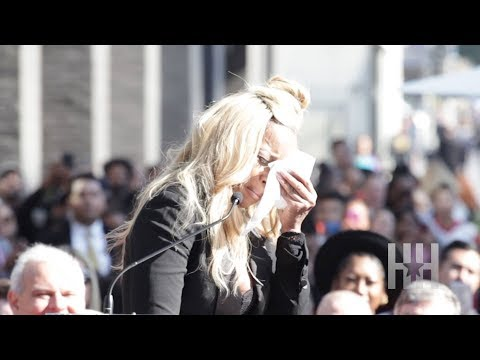 Mary J. Blige Breaks Down At Star Unveiling:
