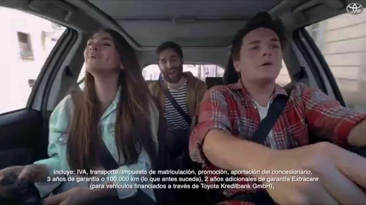 Anuncio Toyota Yaris hybrid 2015 - YouTube