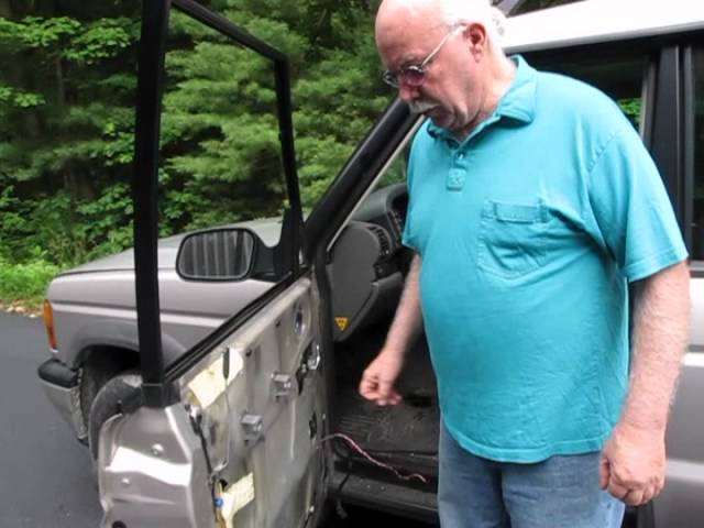 Land Rover Discovery II Door Panel Removal - YouTube
