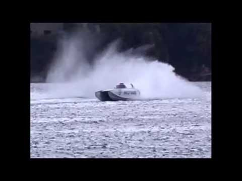 King Of Shawes Crash, class 1 offshore powerboat racing