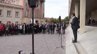 """""""Richter"""" und """"Staatsanwälte"""" demonstrieren vor dem Landtag in Potsdam"""