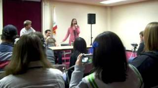 Vic Mignogna Travis Willingham and Laura Bailey talk about how they first met