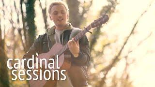 "Lewis Watson - 独Cardinal Sessionsにて新譜「Midnight」から""Forever""など2曲を披露 映像を公開 thm Music info Clip"