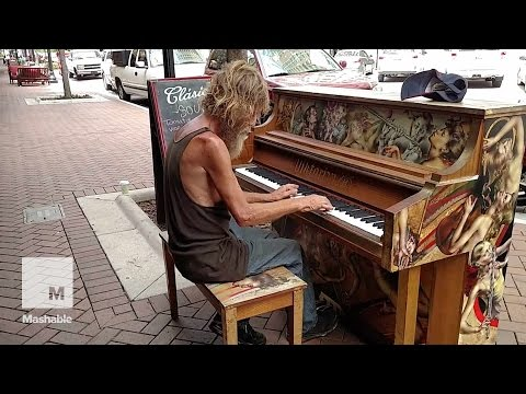 Homeless Florida man is playing piano on the streets, and he's a total natural | Mashable