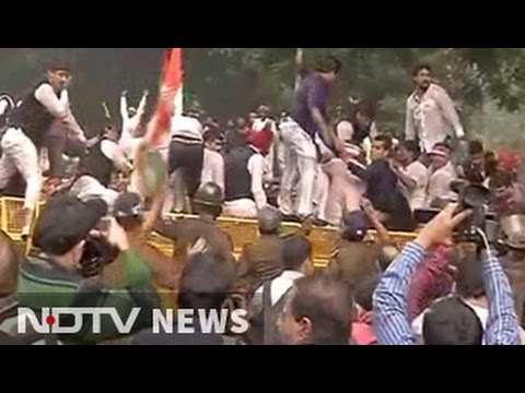 Youth Congress workers protesting against 'intolerance' in Delhi