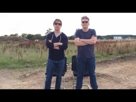 Tom Cruise and Chris McQuarrie MISSION IMPOSSIBLE ALS Ice Bucket Challenge
