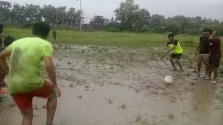 Football funny mud chellenge...