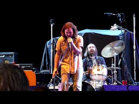 Pearl Jam - Eddie Vedder&Mike McCready Search and Destroy w/Pharmacists (HD) 8.21.09 Toronto