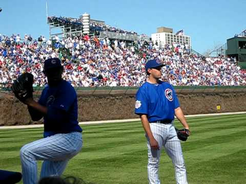 Chicago Cubs Carlos Marmol warming up in bullpen Video