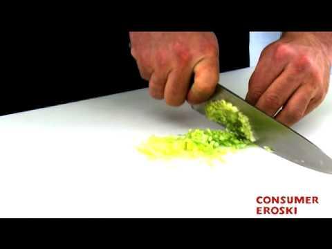 T cnicas b sicas de cocina c mo cortar en brunoise youtube for Tecnicas de cocina molecular
