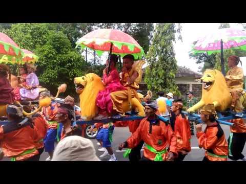 Kesenian sisingaan khas daerah Subang Jabar
