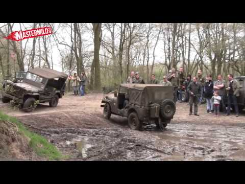Willys Jeep mudding