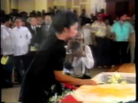Imelda Marcos Sings