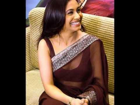 Rani mukherjee hot hot navel and cleavage show