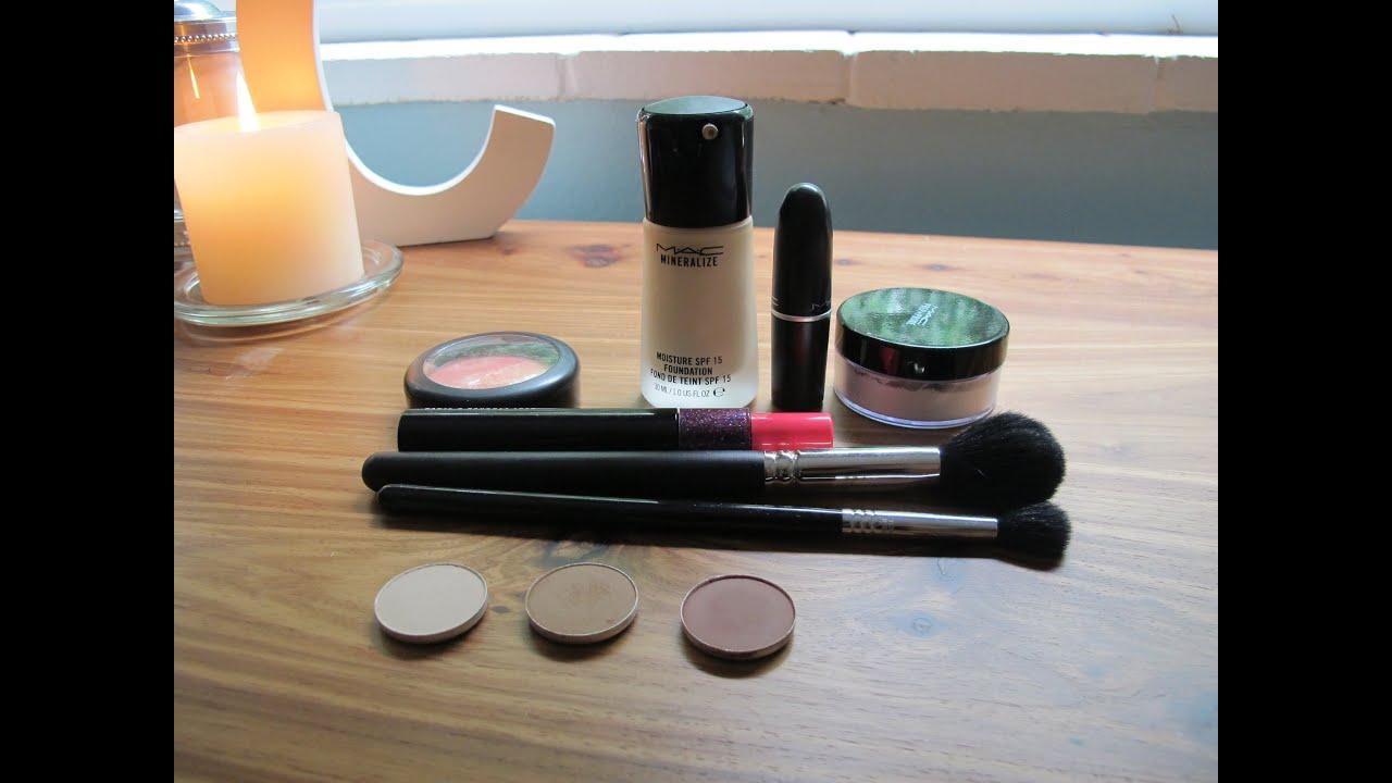 a Mac Starter Kit Makeup