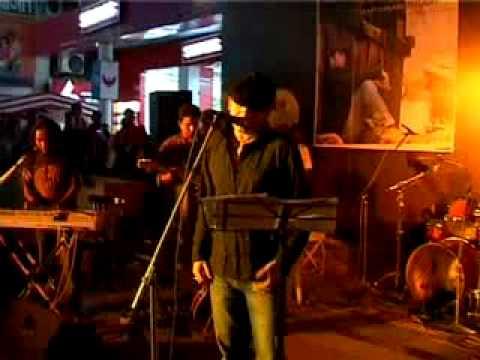Mohit Chauhan performing Dooriyan Live!