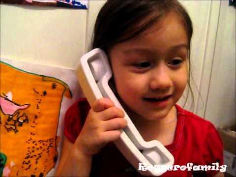 Camilla ThyThy nói chuyện với ông bà ngoại qua điện thoại