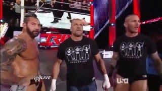 Batista vs Roman Reigns   Raw Latino ᴴᴰ